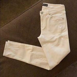 Express White Mid Rise Legging Jeans Size 6!